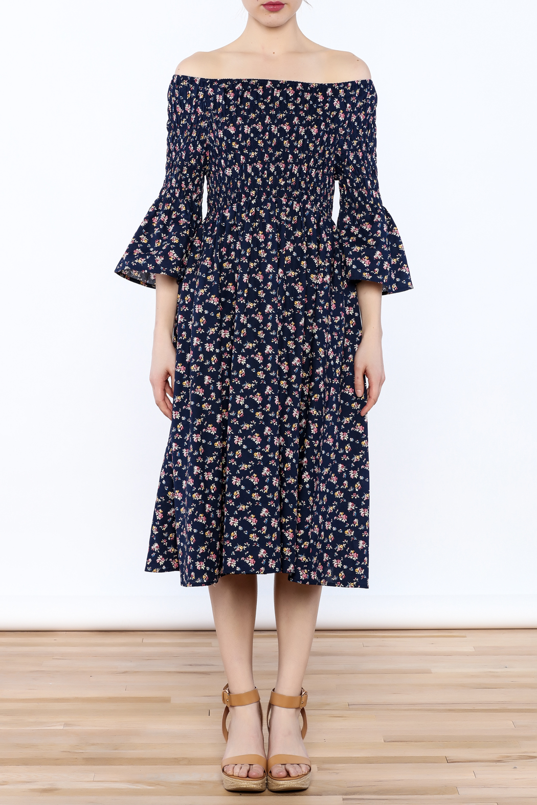 Esley Floral Midi Dress - Front Cropped Image