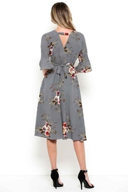 Esley Graceful Grey Floral - Back cropped