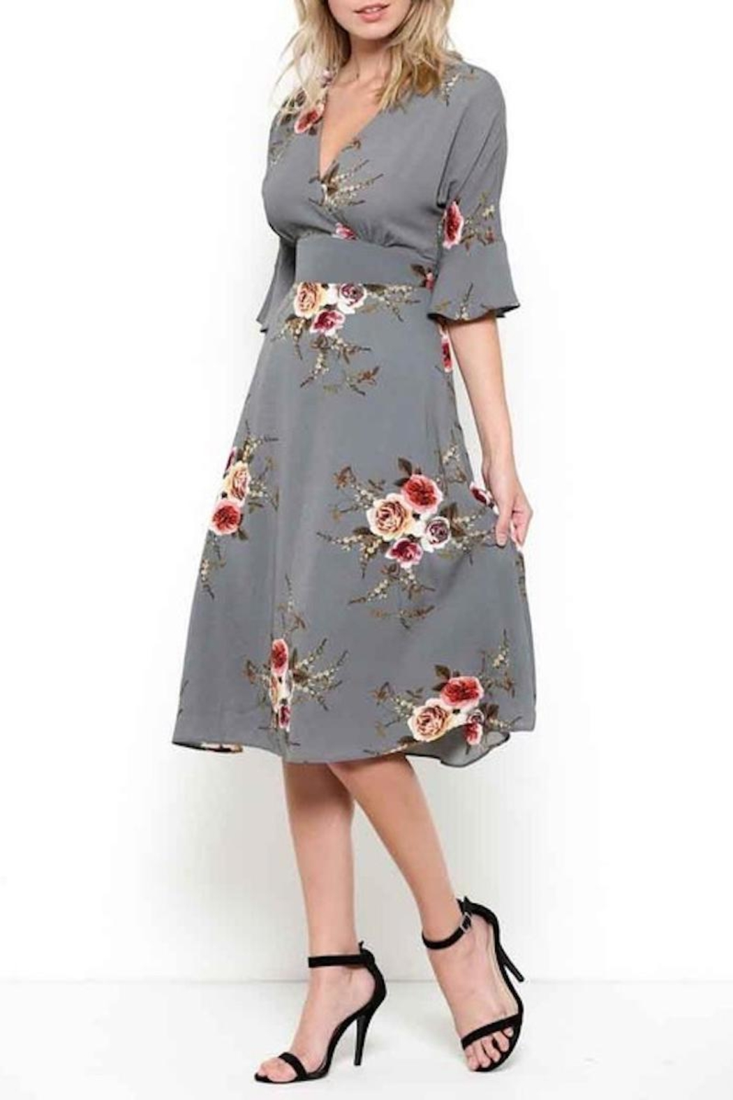 Esley Graceful Grey Floral - Front Cropped Image