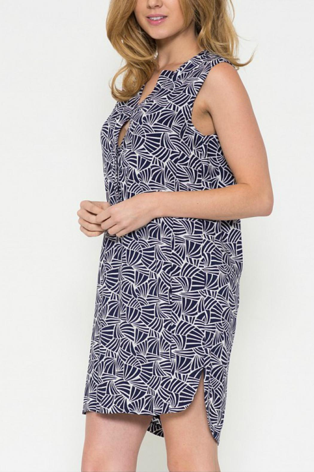 Esley Collection Print Shift Dress - Side Cropped Image