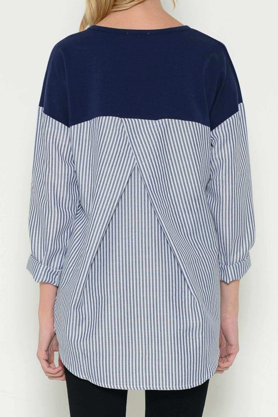 Esley Collection Pullover Contrast Top - Side Cropped Image