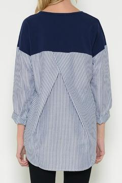 Esley Collection Pullover Contrast Top - Alternate List Image