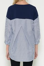 Esley Collection Pullover Contrast Top - Side cropped