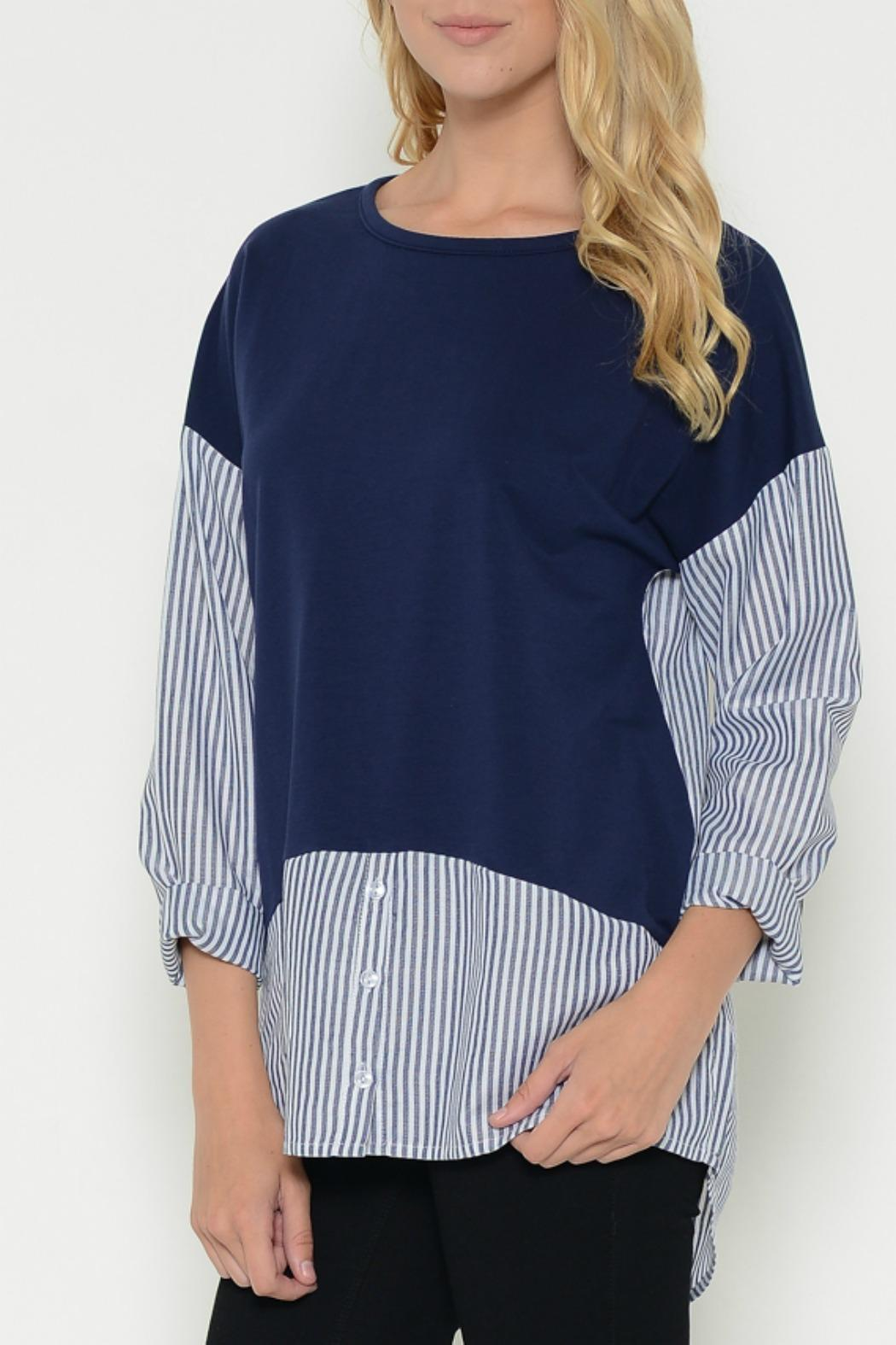 Esley Collection Pullover Contrast Top - Front Cropped Image