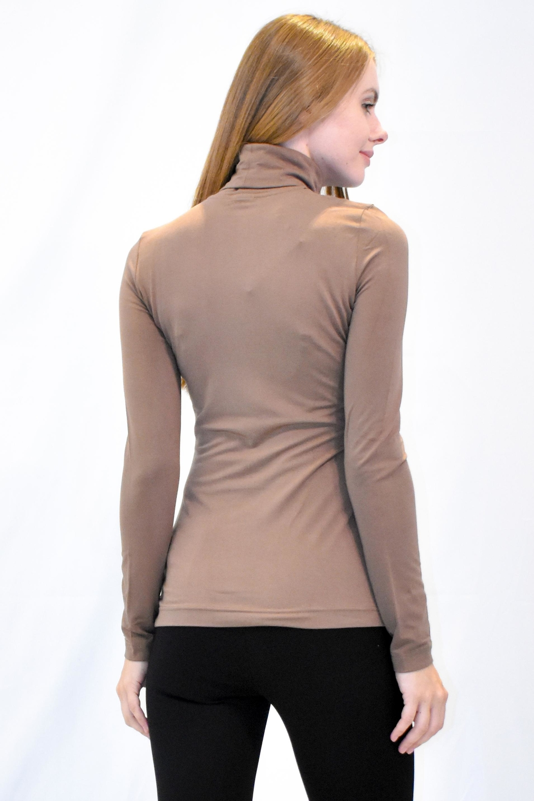 Eva & Claudi Essential Turtleneck - Side Cropped Image