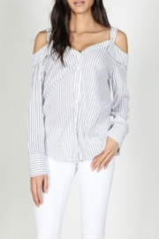 essue Off-Shoulder Stripe Poplin - Front cropped