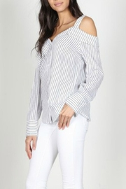 essue Off-Shoulder Stripe Poplin - Front full body