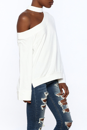 essue White One-Shoulder Top - Front cropped