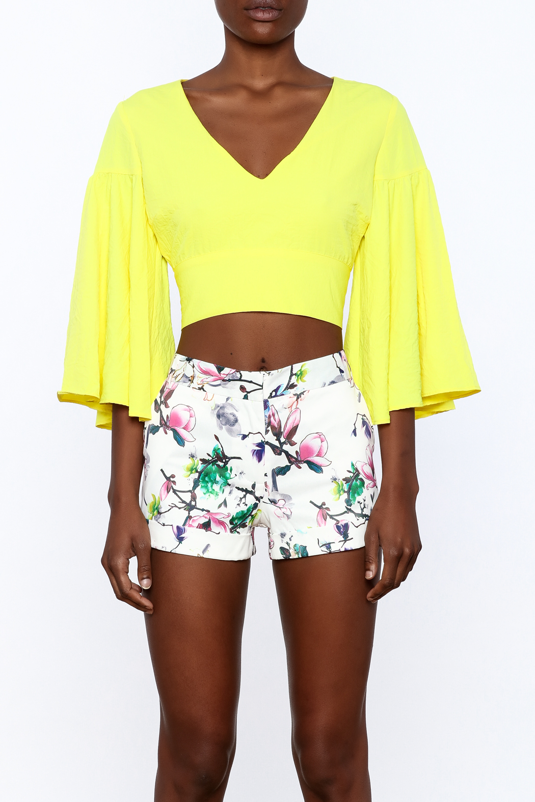 essue Bold Crop Top - Side Cropped Image