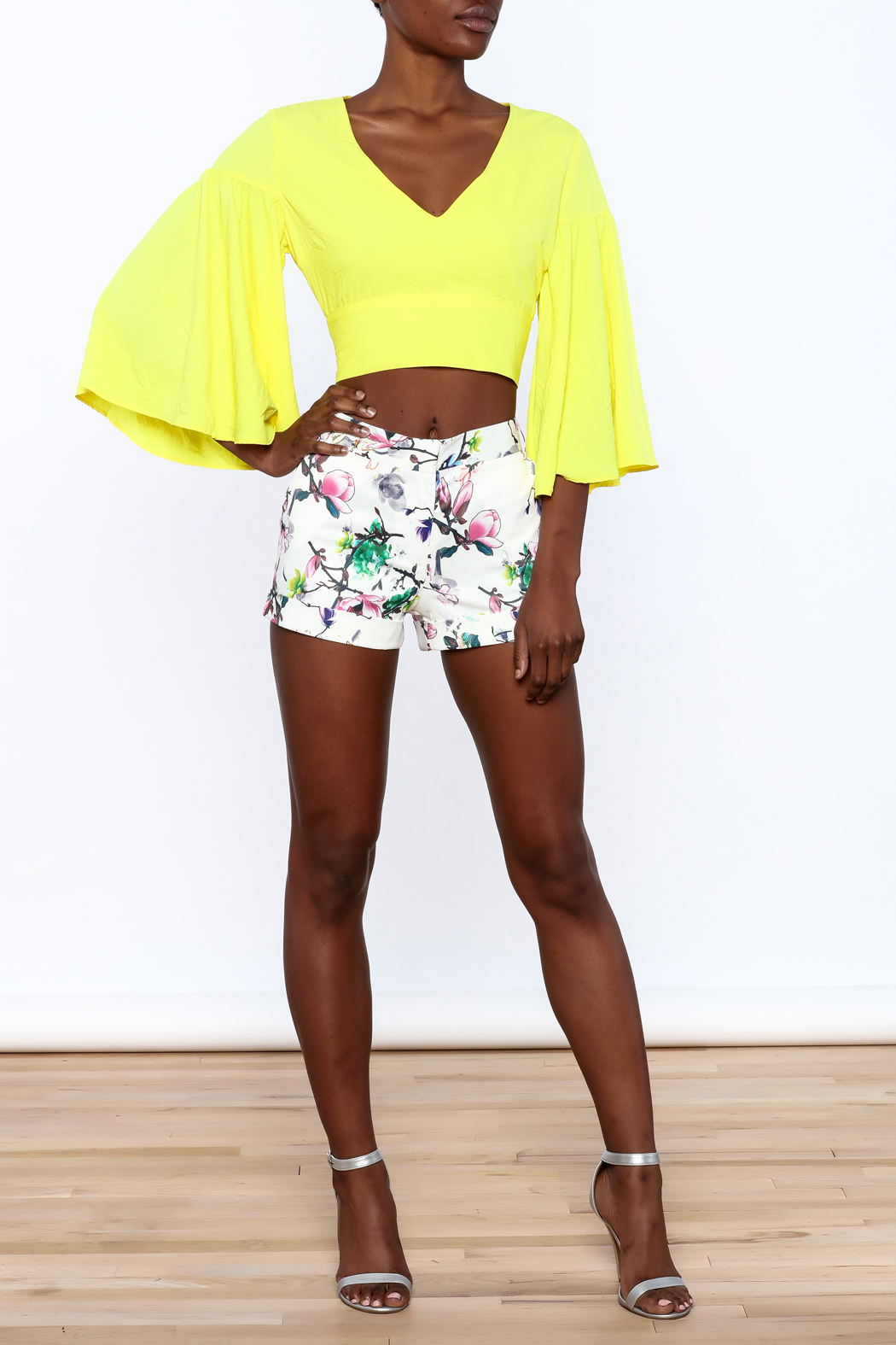 essue Bold Crop Top - Front Full Image