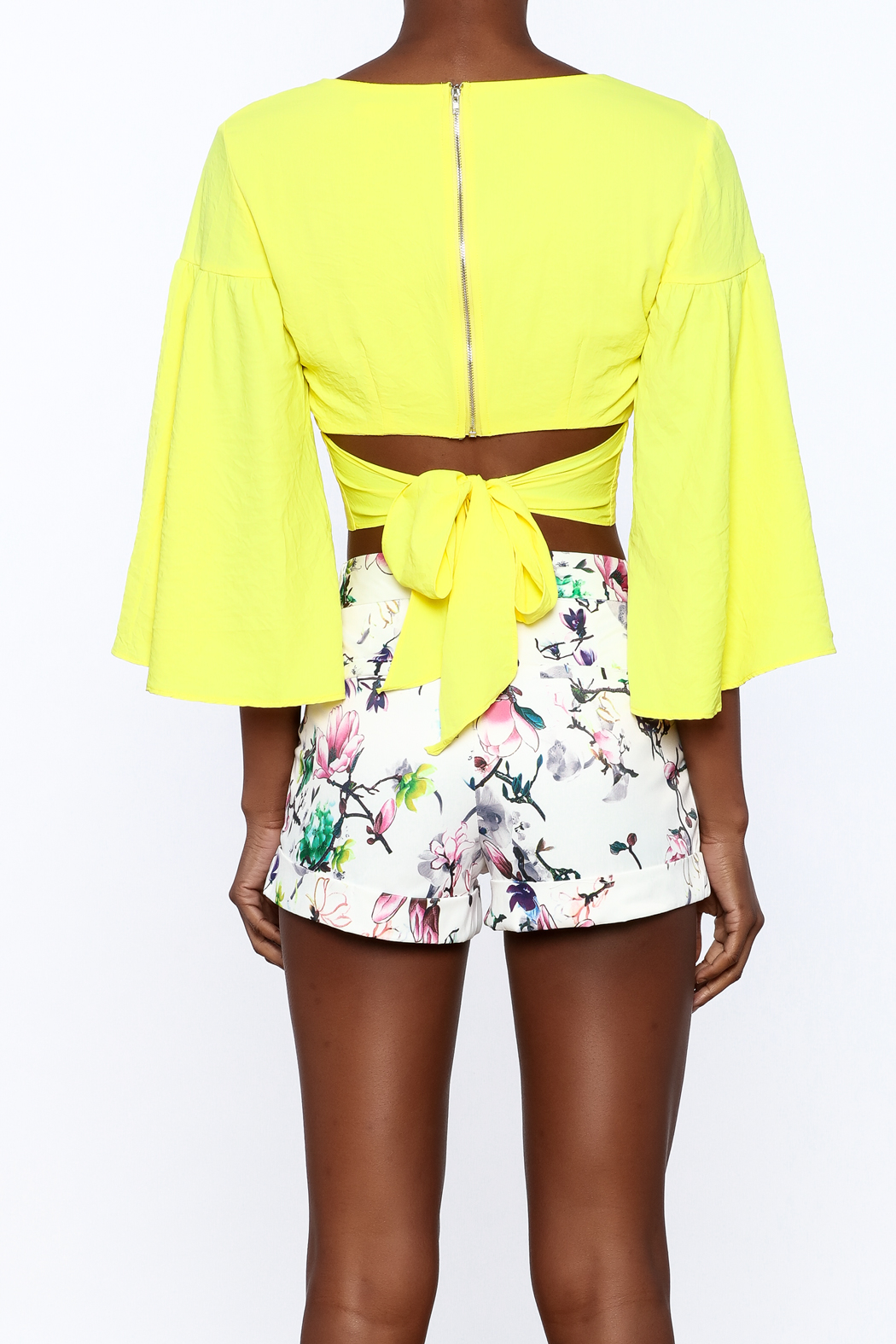 essue Bold Crop Top - Back Cropped Image
