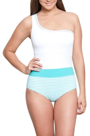 Estivo 3027/emb/10 - Front cropped