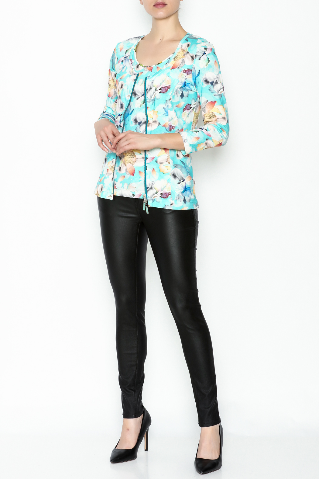 Eva & Claudi Floral Zip Top - Side Cropped Image