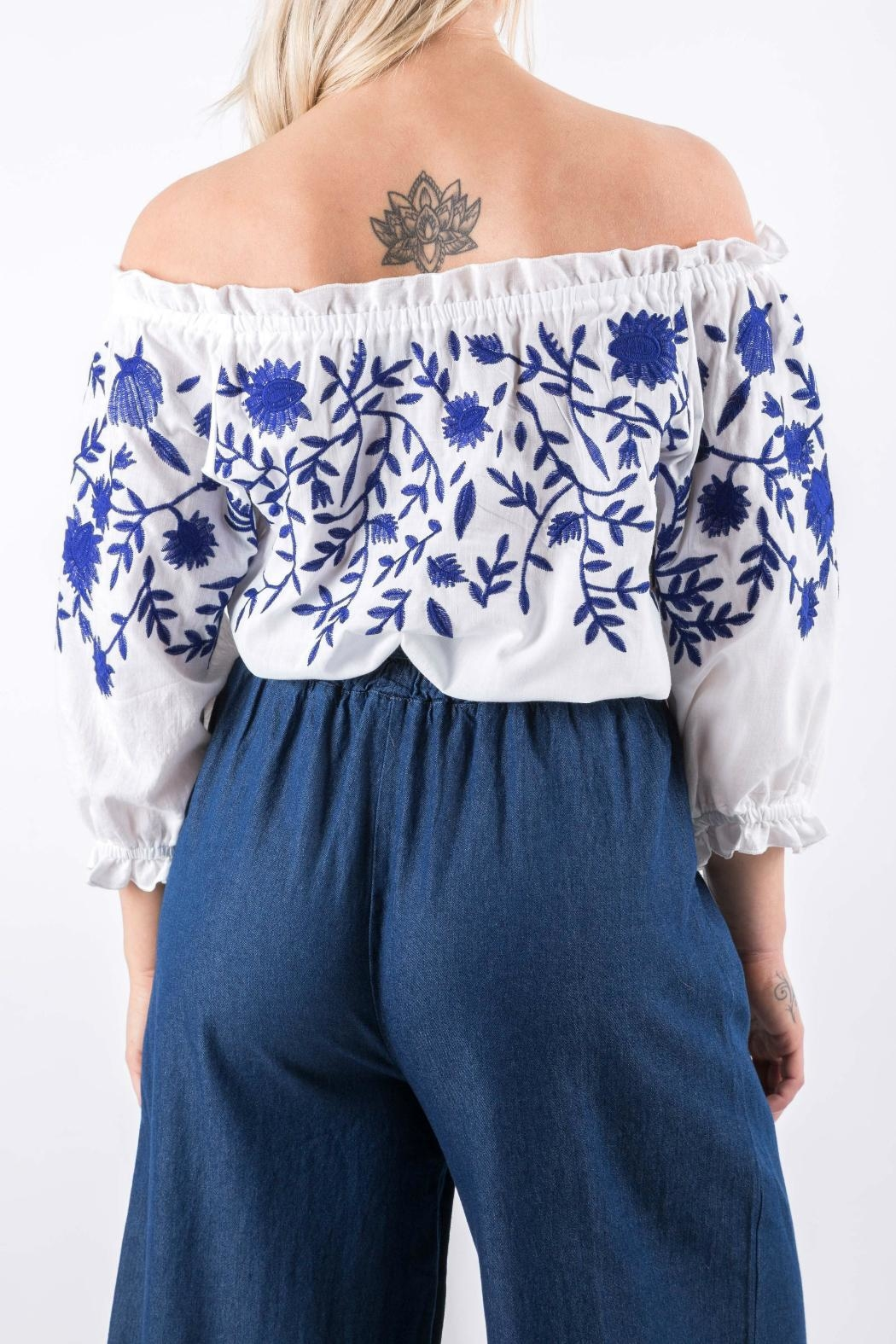 Yuki Tokyo Evelyn Embroidered Top - Side Cropped Image