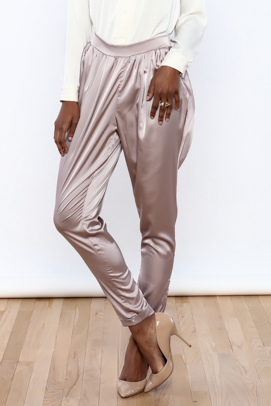 Free shipping and returns on Women's Satin Pants & Leggings at neyschelethel.ga