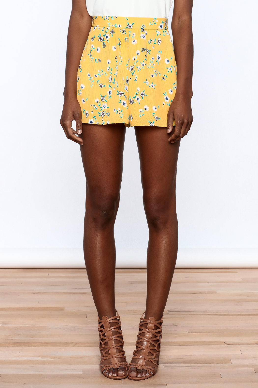 Everly Bright Yellow Floral Shorts - Side Cropped Image