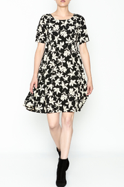 Everly Terri Floral Shift Dress - Side cropped