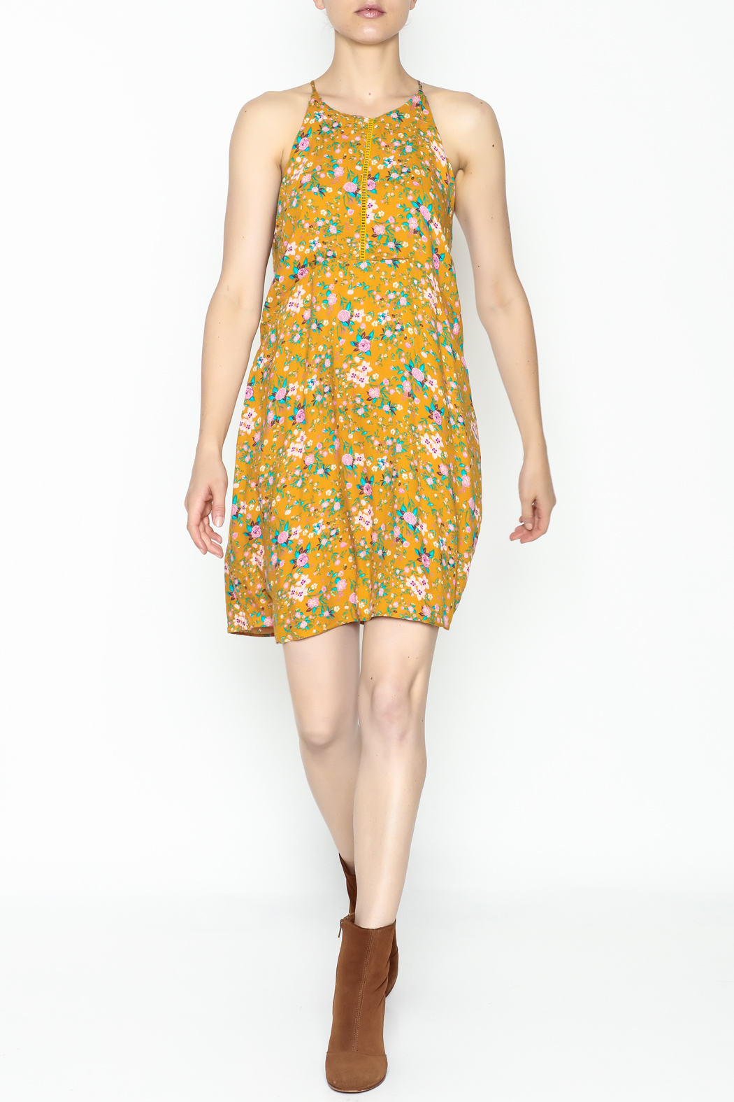 Everly Yellow Floral Shift Dress - Side Cropped Image