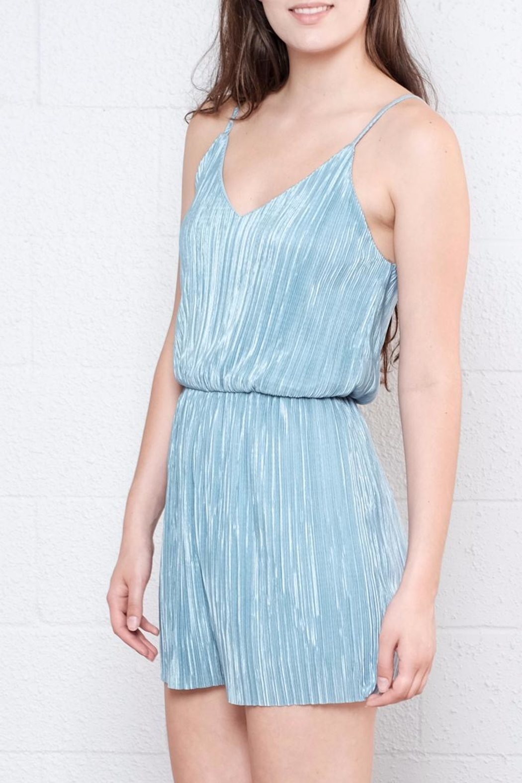 Everly Micro Pleated Romper - Side Cropped Image