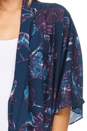 Everly Navy Floral Kimono - Back cropped