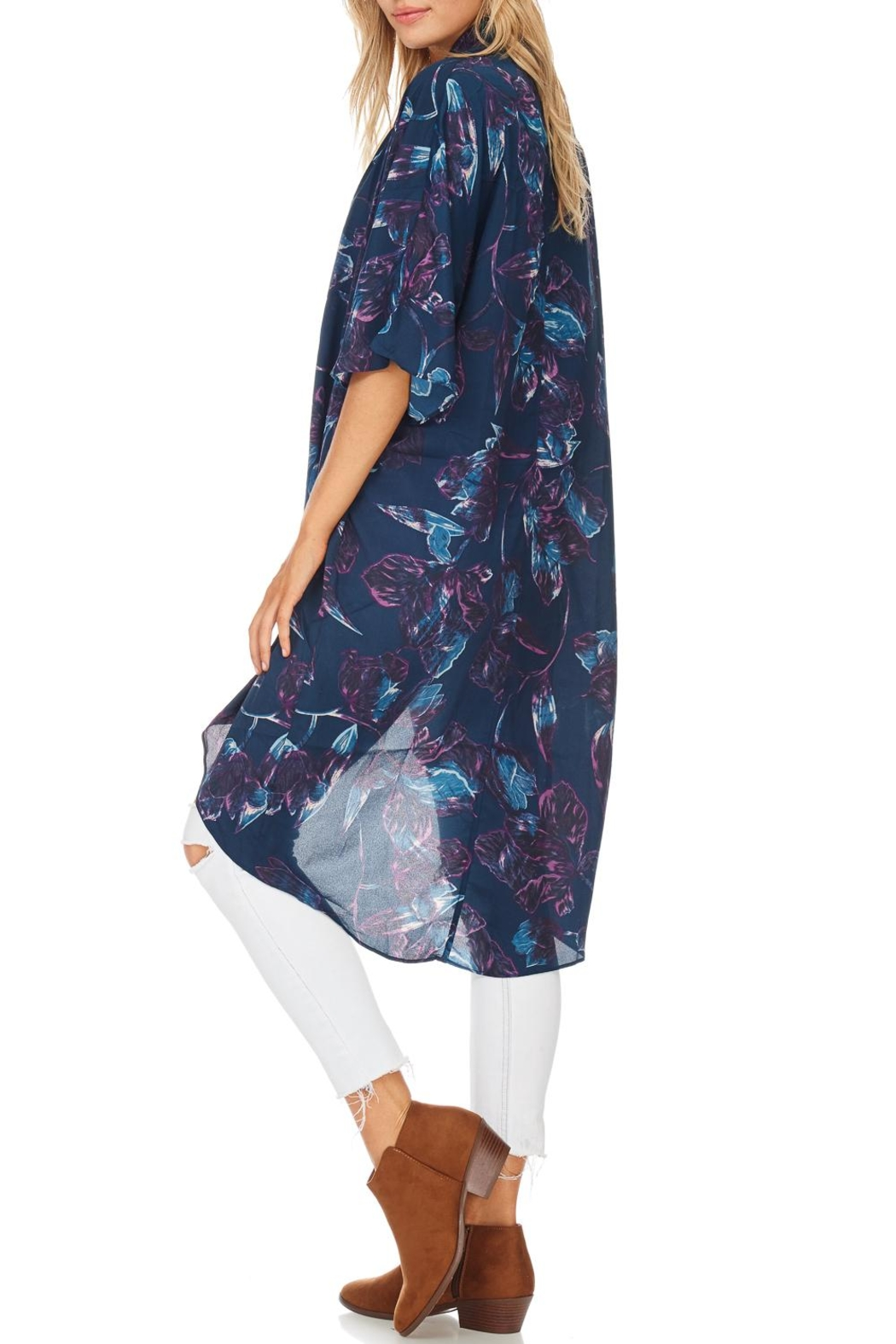 Everly Navy Floral Kimono - Side Cropped Image