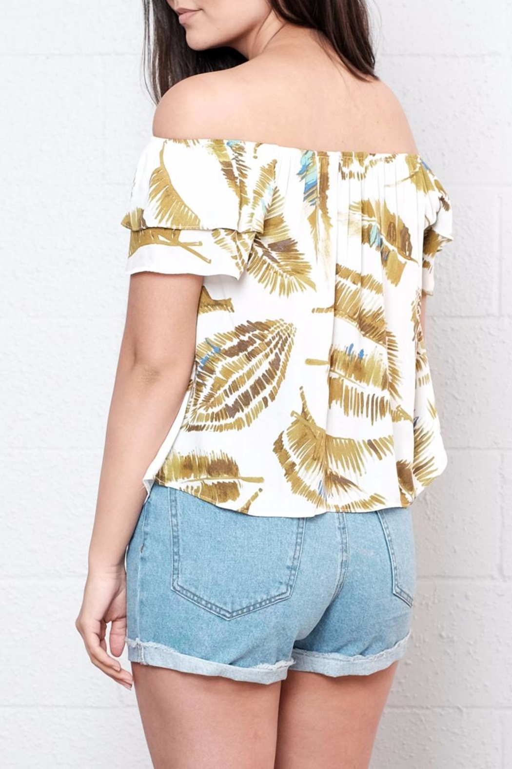Everly Palm Off Shoulder Top - Side Cropped Image