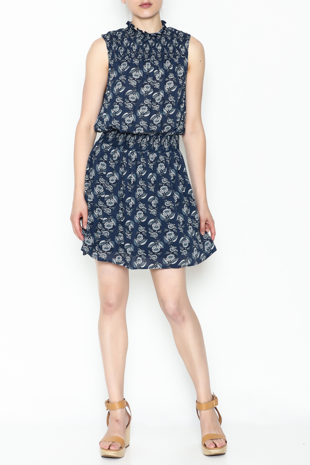 Everly Smocked Frond Dress - Side Cropped Image