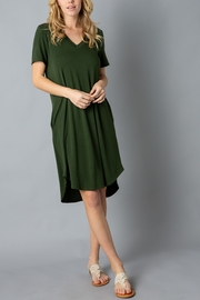 Lyn -Maree's Everyday Short Sleeve Dress - Front cropped