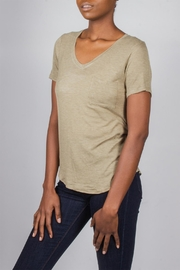Tresics Everyday Tee Olive-Green - Front full body