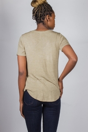 Tresics Everyday Tee Olive-Green - Side cropped