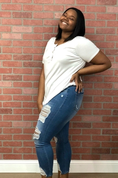 Izzie's Boutique Everyday White Tee - Product List Image