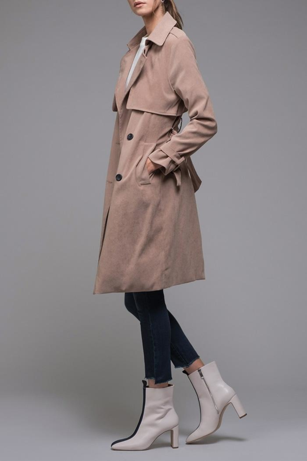 EVIDNT Beige Classic Trench - Side Cropped Image