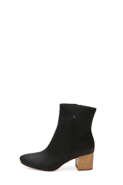 TOMS Evie Black Leather-Boot - Product Mini Image