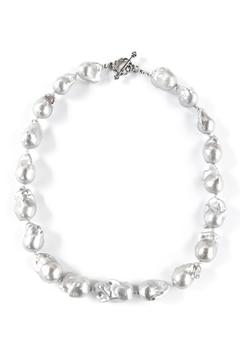 Exclusively Leslie Baroque Gray-Pearl Necklace - Alternate List Image