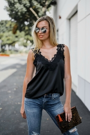 Trend:notes EYELASH CAMI - Front cropped