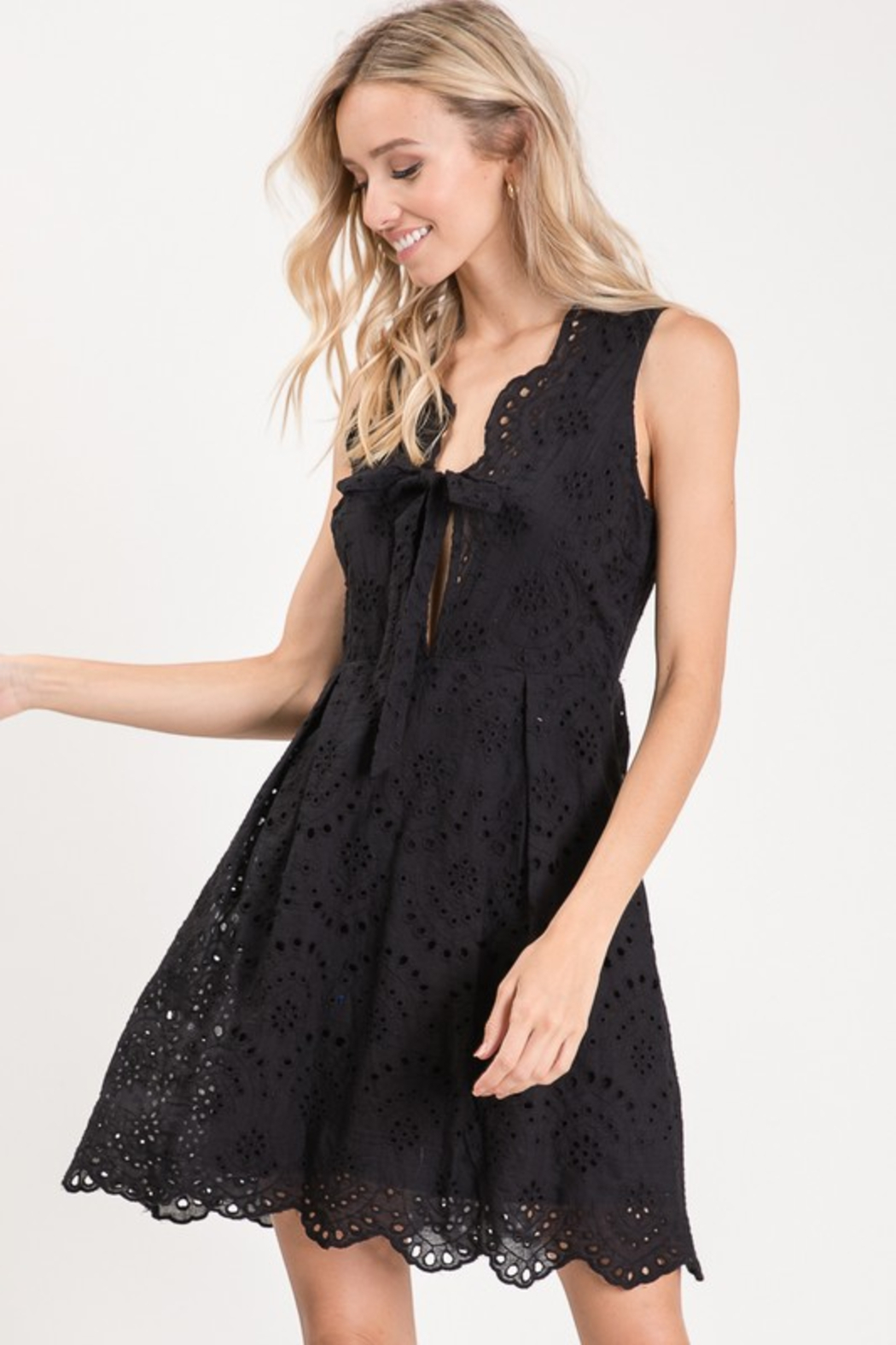 R+D  Eyelet Scallop Tie Dress - Side Cropped Image