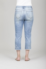 GG Jeans Faded Embroidery Capri - Side cropped