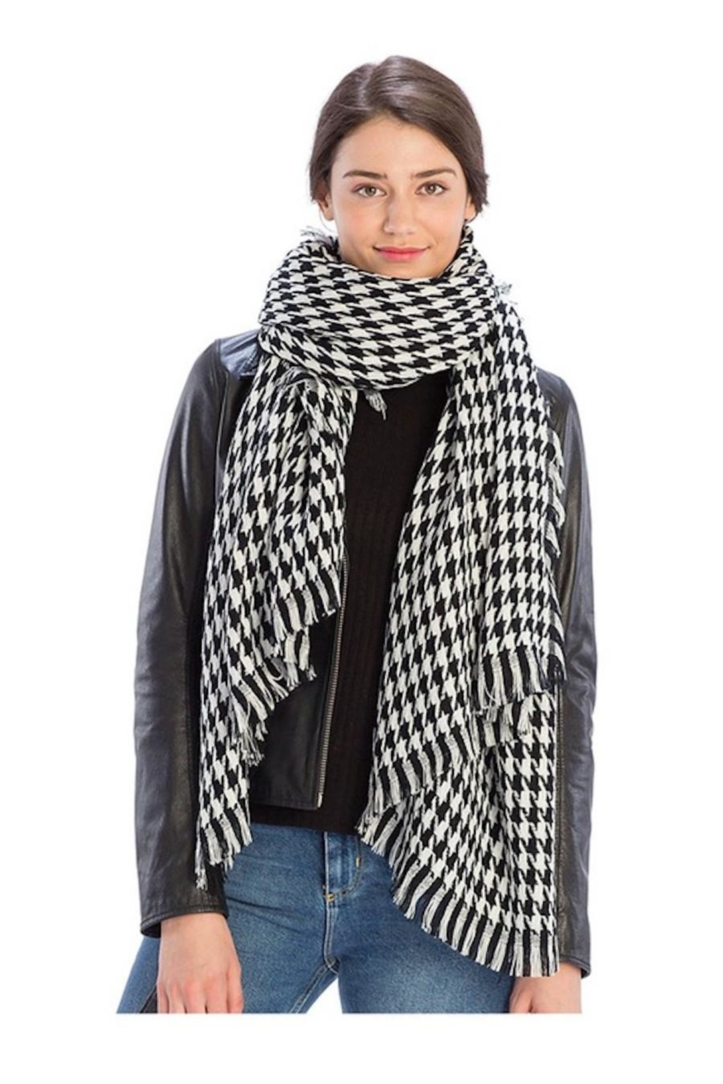 FADIVO New York Black & White Scarf - Front Cropped Image