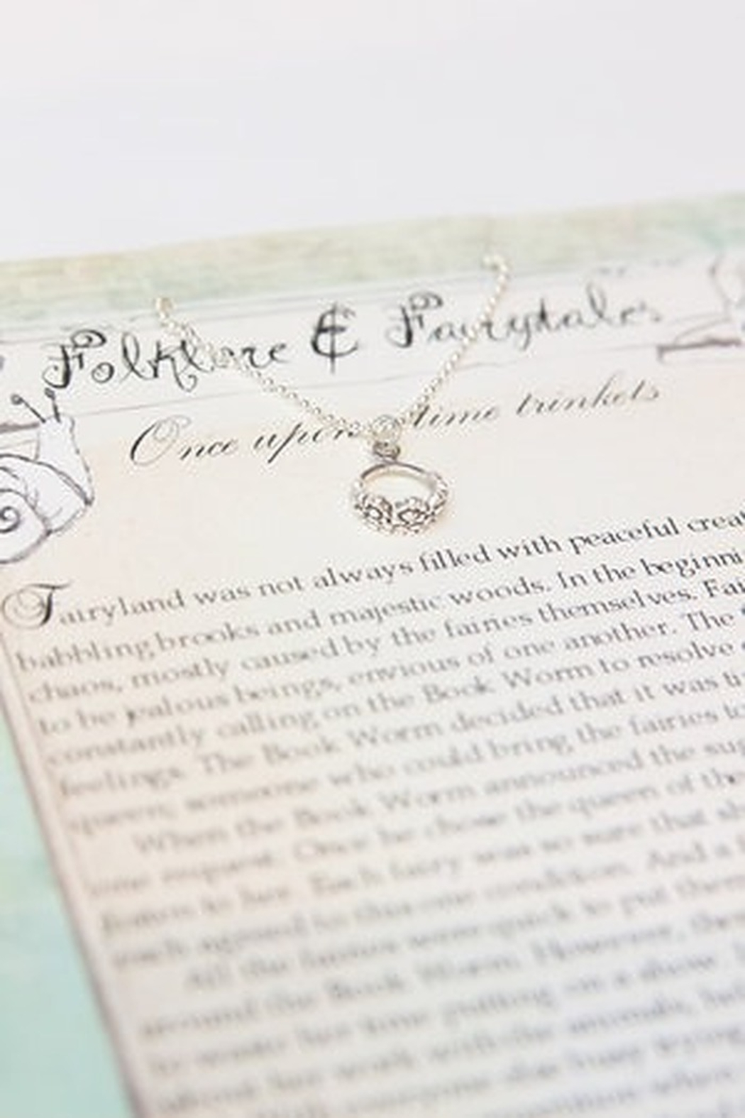 folklore & fairytales Fairy crown storybook necklace - Front Full Image