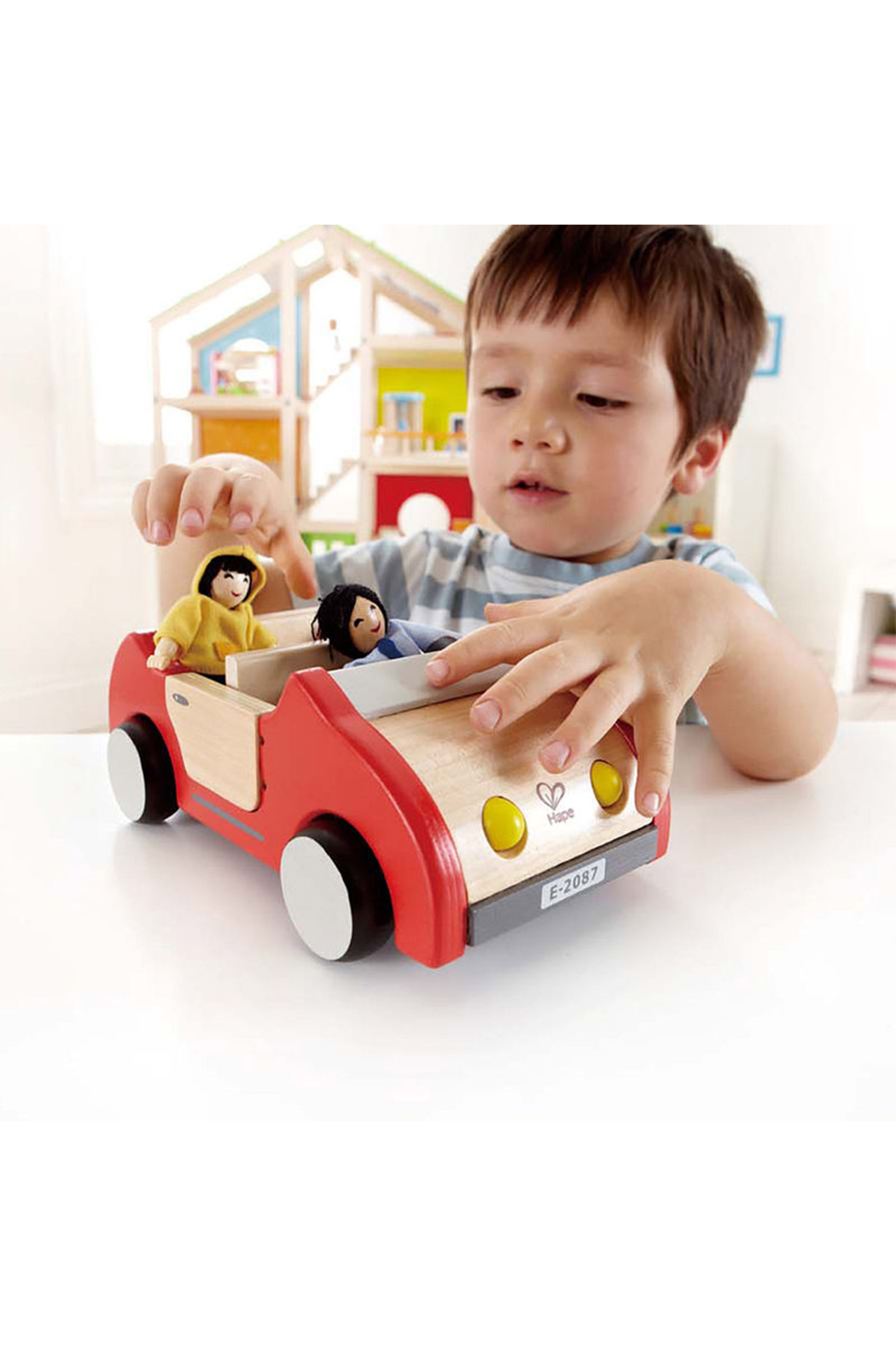 Hape  Family Car - Front Full Image