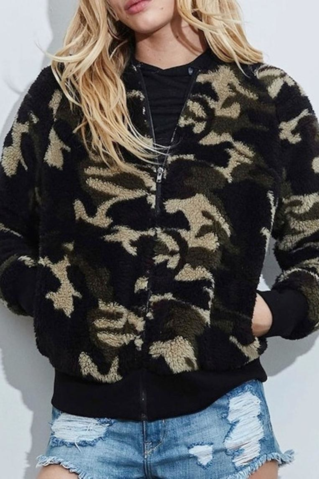 Fantastic Fawn Camo Jacket - Side Cropped Image