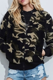 Fantastic Fawn Camo Jacket - Side cropped