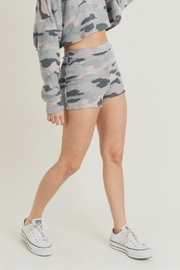 Fantastic Fawn Thermal Camo Short - Product Mini Image
