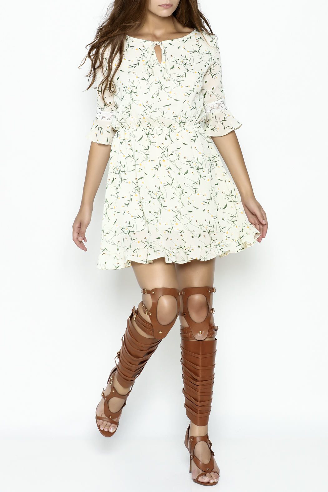 Fashion Pickle Daisy Printed Dress - Side Cropped Image
