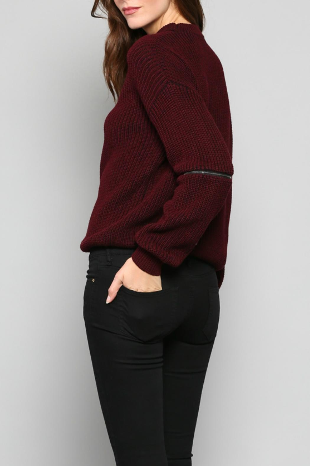 Fate V-Neck Knit Sweater - Side Cropped Image