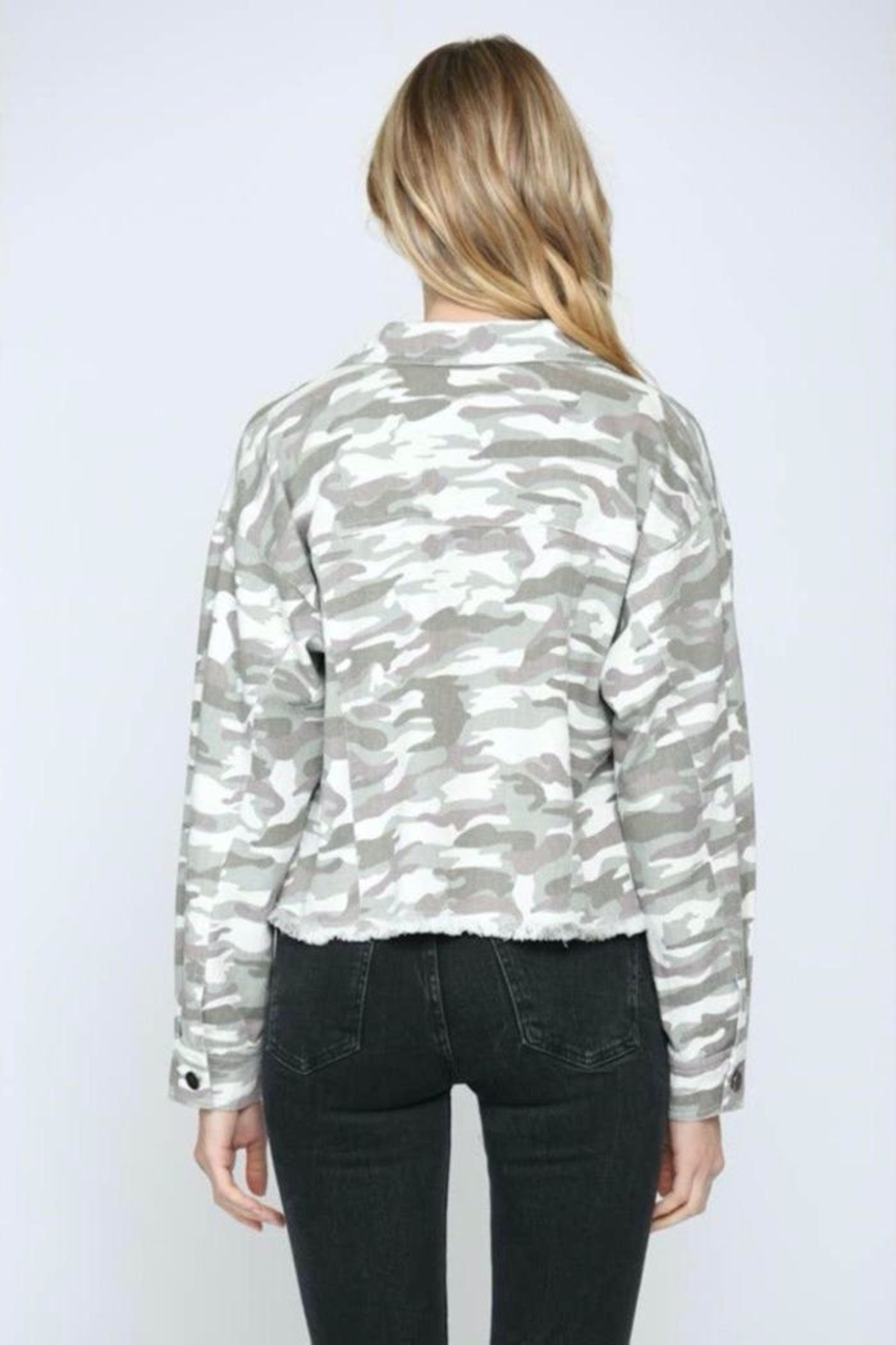 FATE by LFD Camo Printed Crop Boxy Jacket - Side Cropped Image