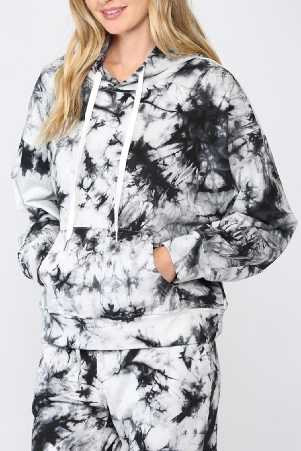 FATE by LFD Tie Dye Hoodie - Side Cropped Image