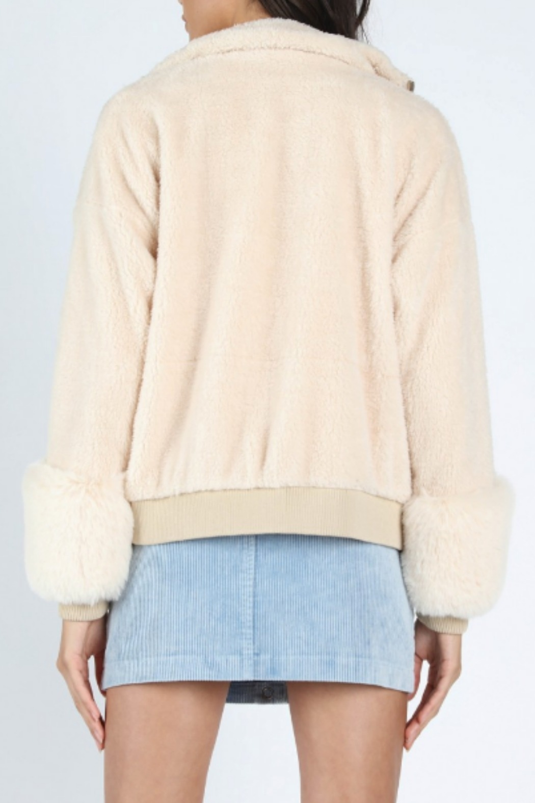 Honey Punch Faux Fur Bomber - Side Cropped Image