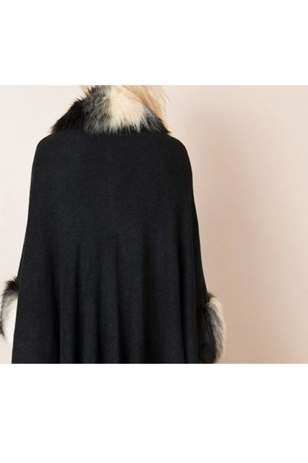 Pia Rossini Faux-Fur Capelet - Side Cropped Image
