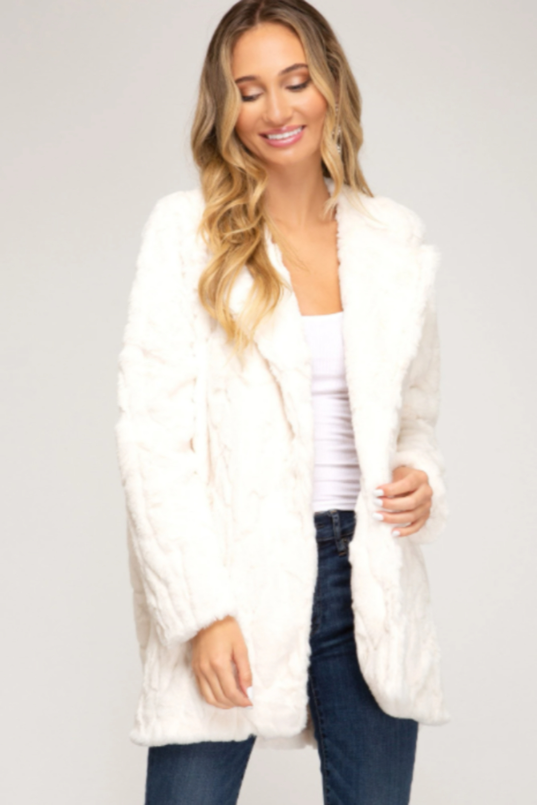 She and Sky FAUX FUR JACKET W/ POCKETS - Front Cropped Image
